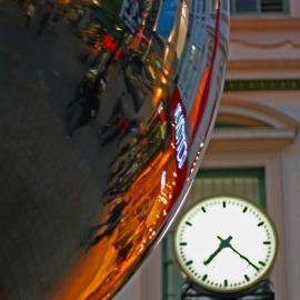Melinda - Malls Ball&Clock